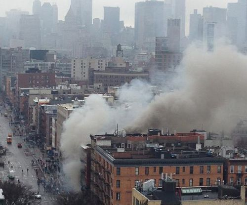 Building collapses after explosion in Manhattan