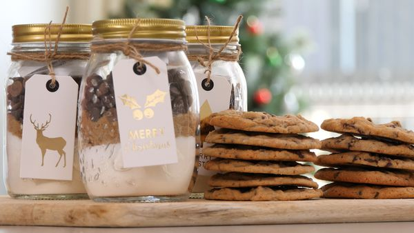 The no-bake Christmas cookie gift you need
