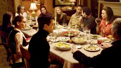 5.There is no dramatic dinner table scene.