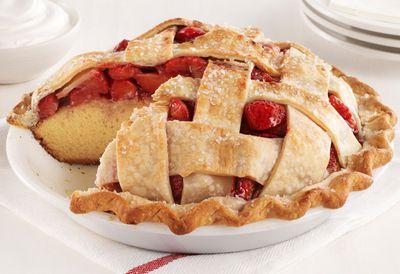 Strawberry pie cake