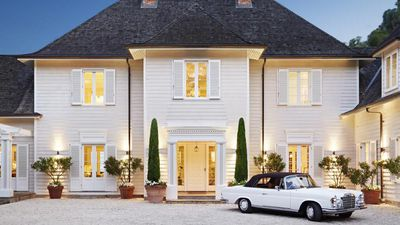 Superb estate designed by Stephen Akehurst is French chateau meets Hamptons chic