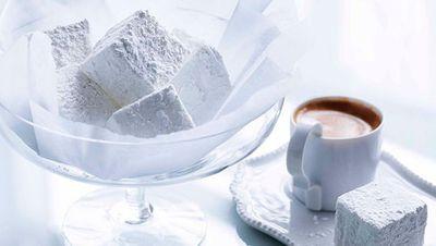 """<a href=""""http://kitchen.nine.com.au/2016/05/16/11/50/vanilla-marshmallows"""" target=""""_top"""">Vanilla marshmallows</a>"""