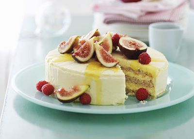 "<a href=""http://kitchen.nine.com.au/2016/05/19/13/58/iced-honey-mascarpone-and-almond-cake-with-fig-salad"" target=""_top"">Iced honey mascarpone and almond cake with fig salad</a>"
