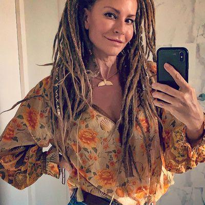 Simmone Jade Mackinnon: Now