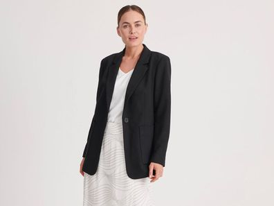 Basque black blazer