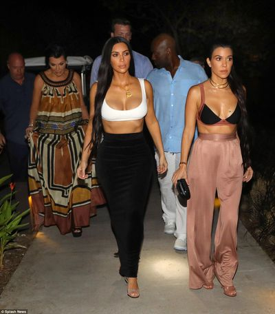 Kim and Kourtney Kardashain in Costa Rica, January, 2017