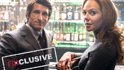 EXCLUSIVE! <i>Love Child</i>'s Jonathan LaPaglia reveals Jessica Marais' embarrassing on-set fail