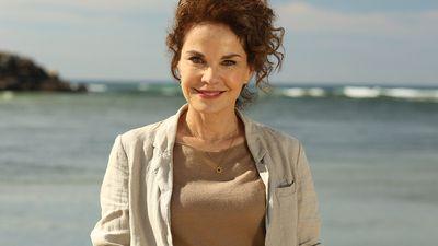 Laura (Sigrid Thornton) — SeaChange