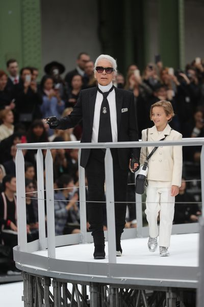 <p>Karl Lagerfeld at Chanel, autumn/winter '17.</p> <p><strong>The look:</strong> Mozart meets Michael Jackson in 2017. Still thin. Still fabulous.</p>
