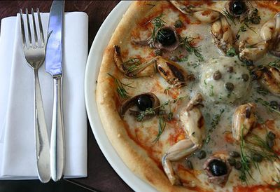 Frogs' legs pizza