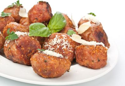 Chicken balls with chilli dipping sauce