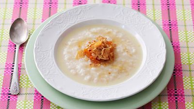"<a href=""http://kitchen.nine.com.au/2016/05/17/11/29/rolled-rice-porridge"" target=""_top"">Rolled rice porridge</a>"