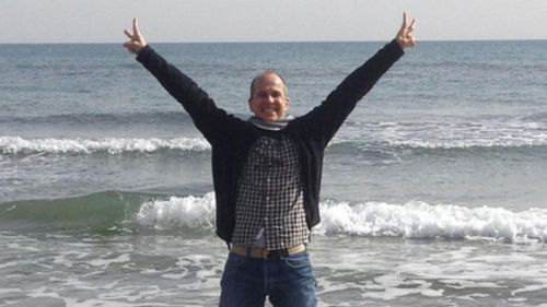 Freed Peter Greste takes to Twitter, says he's flying home 'shortly'