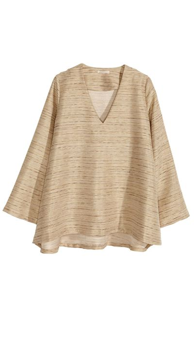 "<a href=""http://www.hm.com/au/product/89364?article=89364-A"" target=""_blank"">Wide Blouse, $59.95, H&amp;M</a>"