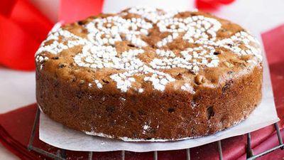 "<a href=""http://kitchen.nine.com.au/2016/05/16/16/27/greatgrandmas-christmas-cake"" target=""_top"">Great-grandma's Christmas cake</a> recipe"