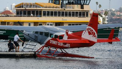 Sydney Seaplanes back in the sky for first time since New Year's Eve tragedy
