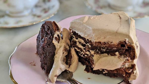 Three ingredient Nutella cream cake recipe