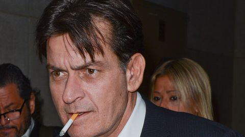 Charlie sheen and his wife cigarette