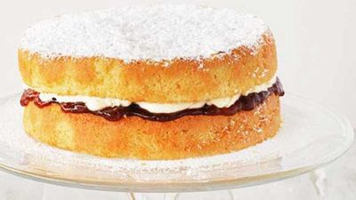 "<a href=""http://kitchen.nine.com.au/2016/05/16/14/58/victoria-sandwich"" target=""_top"">Victoria sandwich </a>- Alice in Wonderland"