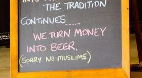 Outback cafe owner won't apologise for 'sorry no Muslims' sign