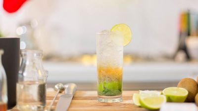 "<a href=""http://kitchen.nine.com.au/2016/12/16/14/01/kiwi-lime-muddled-soda-cocktail"" target=""_top"">Kiwi, lime and soda cocktail<br> </a>"