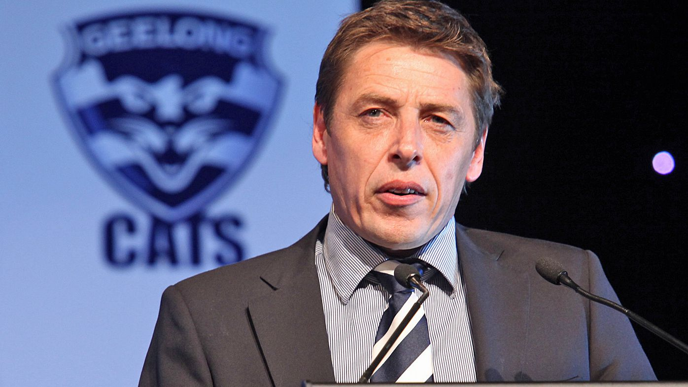 Former AFL coach Grant Thomas criticises Geelong Cats for not helping Mark Thompson earlier