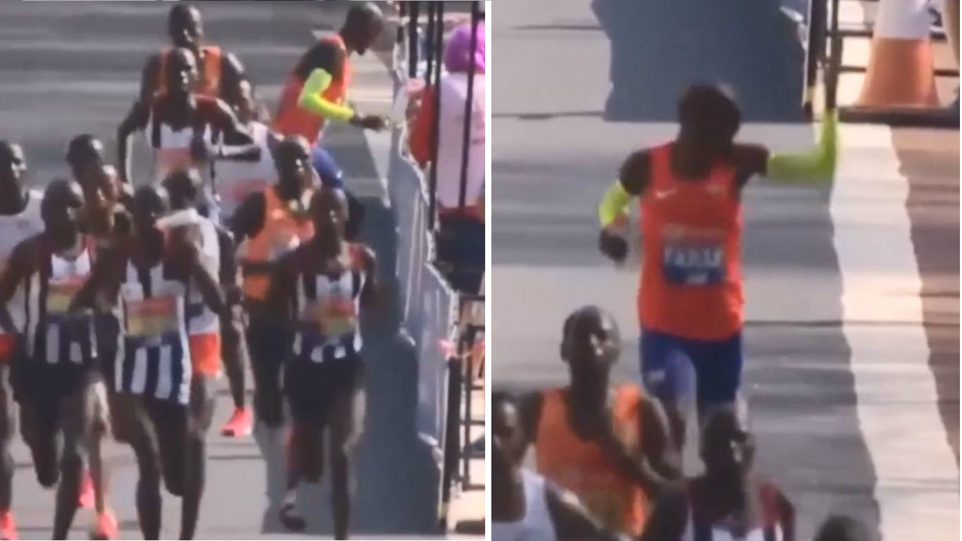 Mo Farah breaks British record at London Marathon despite water-station drama