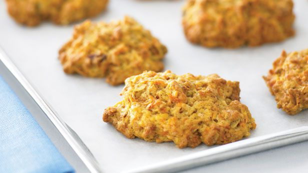Spicy carrot and museli cookies