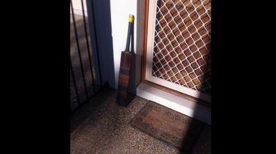@stevesmithffx <p></p><p>  My Pa (RIP) loved watching Phillip Hughes bat. Here's his bat in the morning sun. #putoutyourbats #putyourbatsout</p><p></p>