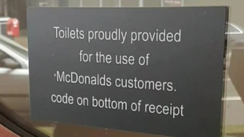 This sign is cooking up controversy online. (McDonald's)