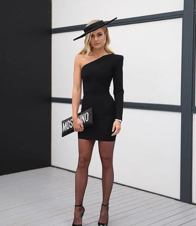 Elyse Knowles, in Alex Perry, at Melbourne's Derby Day, 2018