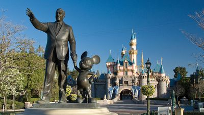 Why you will never see Disneyland employees point with one finger