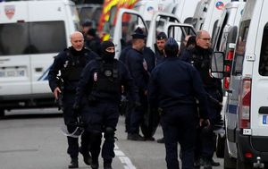French gunman linked to yellow vest movement releases hostages after siege