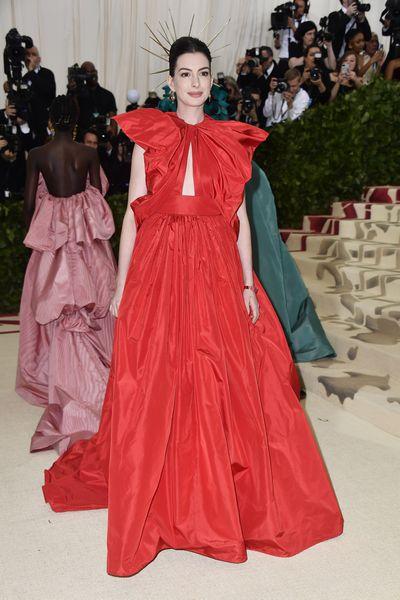 Actress Anne Hathaway inMaison Valentino