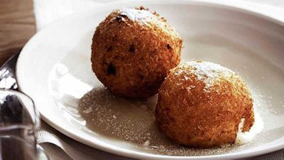 "Andrew McConnell' <a href=""http://kitchen.nine.com.au/2016/05/16/11/14/andrew-mcconnell-deepfried-icecream"" target=""_top"">Deep-fried ice-cream</a> recipe"