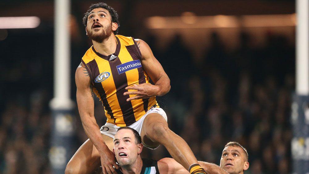 Hawthorn beat Port to keep top AFL spot