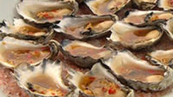 Steamed oysters with ginger and mirin dressing