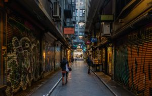 Melbourne's famous alleyways and city streets fall silent again amid new six-week coronavirus lockdown