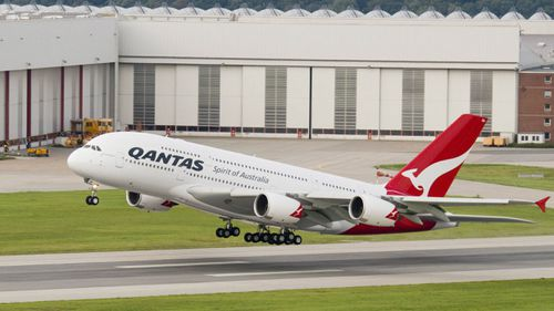 Airlines including QANTAS are allowing cricket fans affected by the Test schedule change to rebook their flights without being charged a fee. (9NEWS)