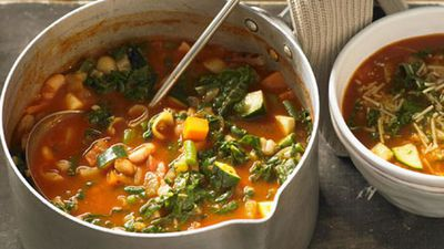 "Recipe:&nbsp;<a href=""http://kitchen.nine.com.au/2016/05/05/16/06/minestrone-soup"" target=""_top"" draggable=""false"">Minestrone soup<br> </a>"