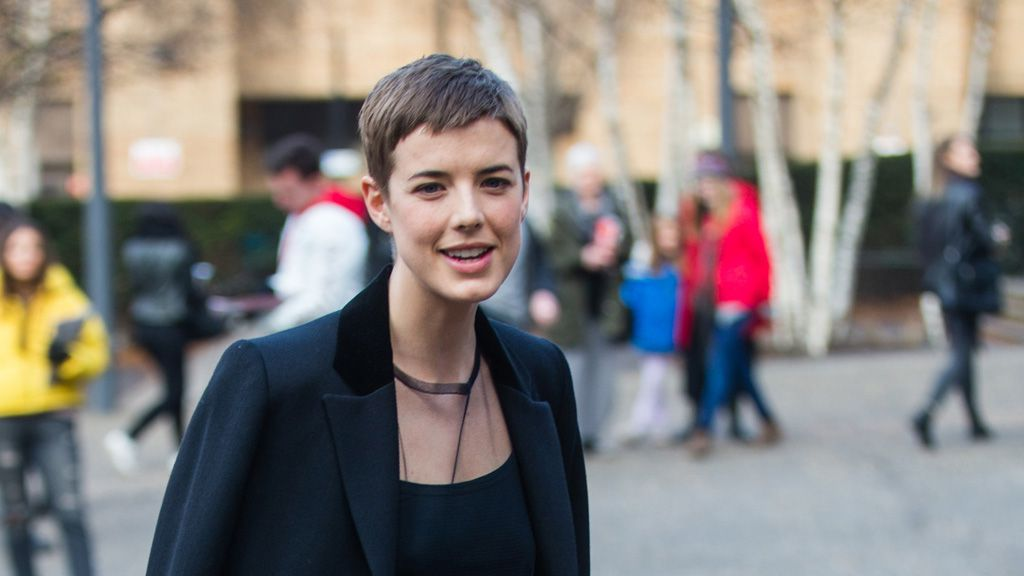 Casual chic heroine Agyness Deyn shows how it's done. Image: Getty.