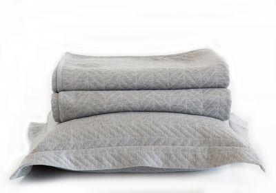 "<a href=""http://www.zarahome.com/au/en/bedroom/bedspreads-c1552604p6542017.html"" target=""_blank"">Herringbone jacquard cushion cover and bedspread, starting at $39.95, Zara Home </a>"