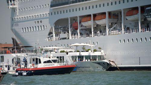0206_nh_cruiselinervenice_2