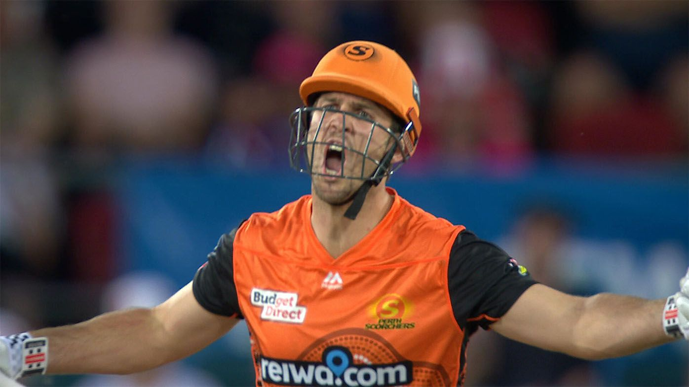 Perth Scorchers star Mitch Marsh unleashes extraordinary spray at umpire after copping controversial call