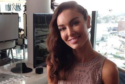 @channelten: Red carpet ready! Join #TheBachelorAU's @LaurinaFleure for all the #ARIAs fashion from 7.30pm.