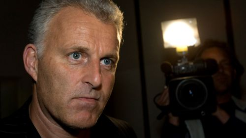 Dutch crime reporter Peter R. de Vries, one of the Netherlands best known crime reporters, was shot Tuesday evening.