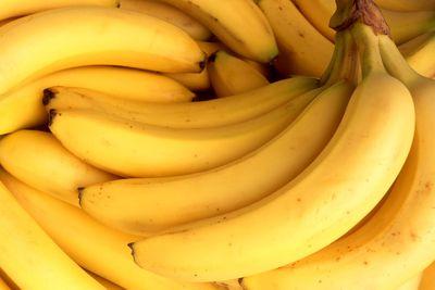 Bananas: 358mg potassium per 100g
