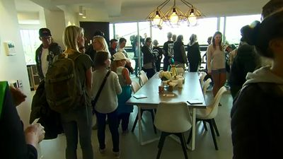 The huge crowds proved that the winning bidder would certainly have enough room to host large parties with room to move. (9NEWS)