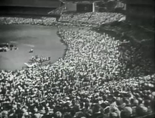 Crowds packing the MCG to hear Billy Franklin deliver a sermon.
