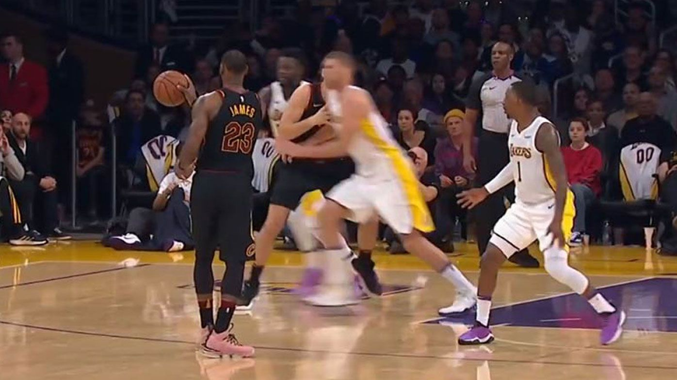 Cleveland Cavaliers' LeBron James pulls off no-look pass a NRL player would be proud of